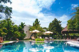 Förgyll tillvaron med en pool i trädgården